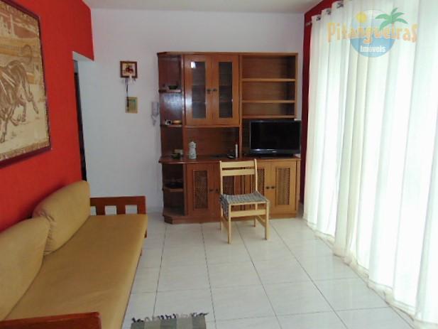 Pitangueiras - Uma quadra da praia - condomínio baixo - garagem demarcada - venda e locação temporada !!!