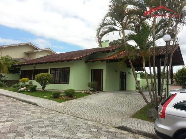 Casa  Em Condomínio Fechado, Glória, Joinville.