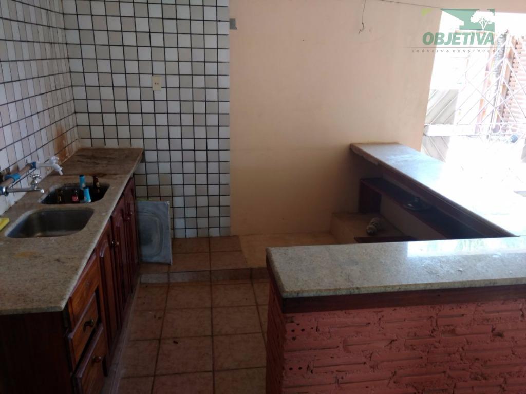 imóvel residencial localizado na av. inspetor aymoré, 1030, bairro universidade, contendo as seguintes dependências:garagem sala de...