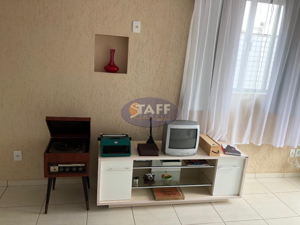 venda e locação fixa; 1º piso: 01 dormitório; banheiro social; cozinha e área de serviço. 2º...
