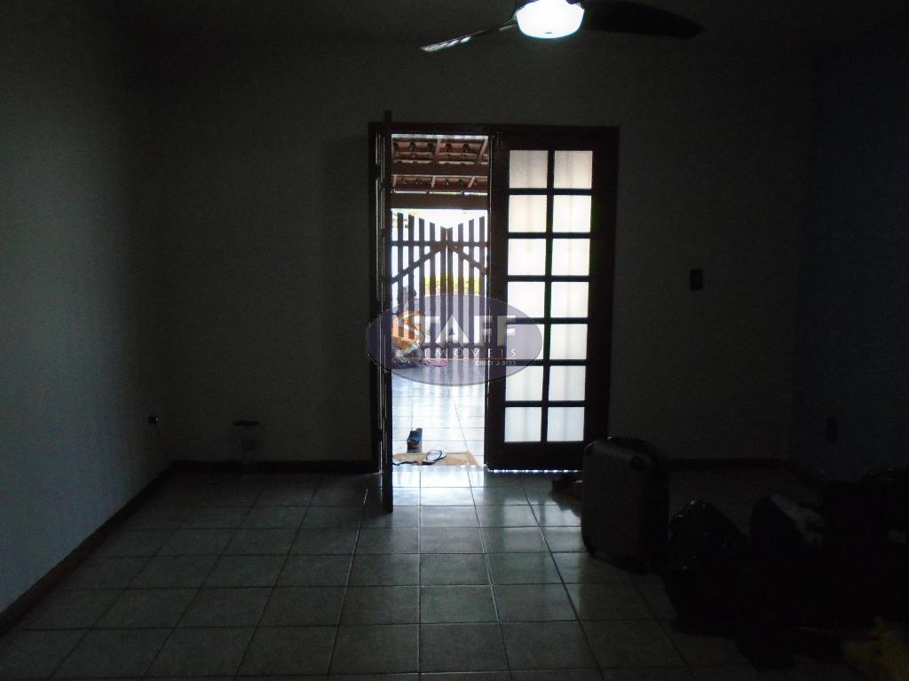 venda; ótima casa duplex em condomínio; 1º piso: salas de estar e jantar; varanda; cozinha; banheiro...