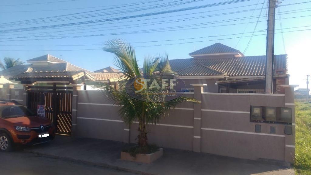 Casa de 3 quartos, sendo 1 suíte, à venda em Unamar-Cabo Frio.