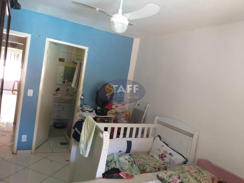 casa em condomínio. com sala,cozinha, trés quartos sendo dois suítes uma reversível,, mais edicula com quarto...