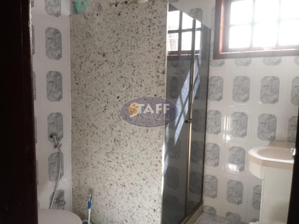 casa dentro do condomínio do bosque do peró com: sala ampla, varanda, 02 quartos, 01 banheiro...