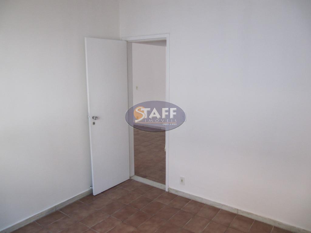 apartamento, fundos, sol da manhã, andar baixo, composto de: sala em dois ambientes com varanda, dois...