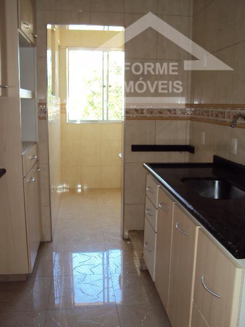 ótimo ap. sala ampla 2 ambientes com sacada, wc. social completo, 3 dorms sendo 1 suite...