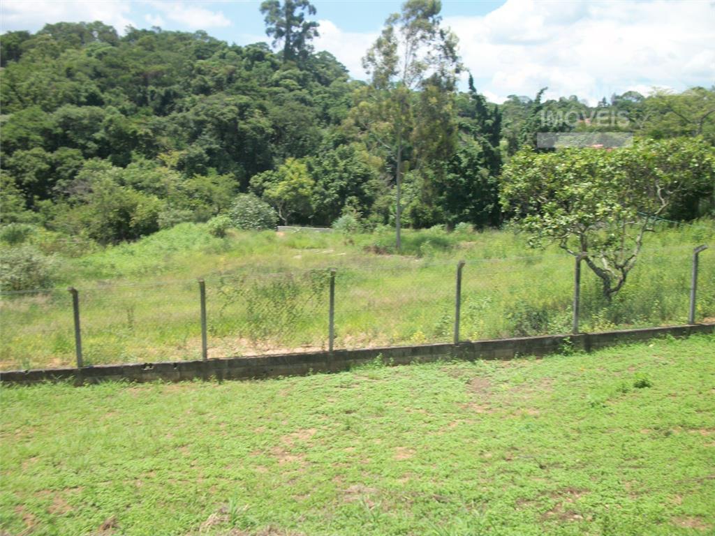 terreno em leve declive, com vasta área verde, localizado em movimentada e valorizada avenida no bairro...