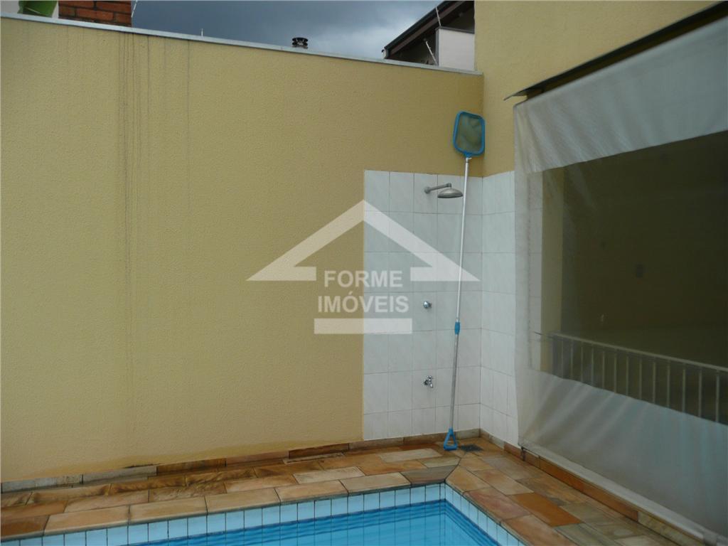 excelente casa com 02 dormitorios, piscina, churrasqueira e vagas p 02 autosotima localizaçào.permuta com apartamento de...