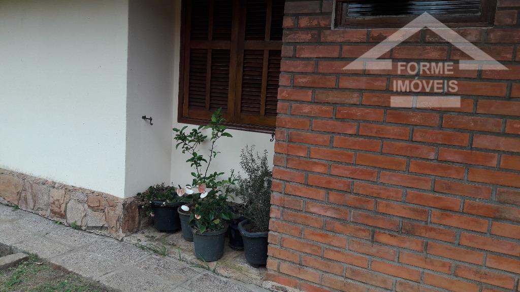 casa em condomínio com 4 dormitórios (1 suite) sendo 2 com armários e 2 sem armários,...