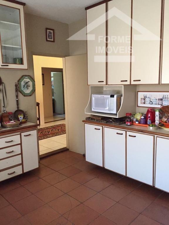 casa com boa localização , sala para 3 ambientes,lareira e varanda,1 suite master( closet ,hidro e...