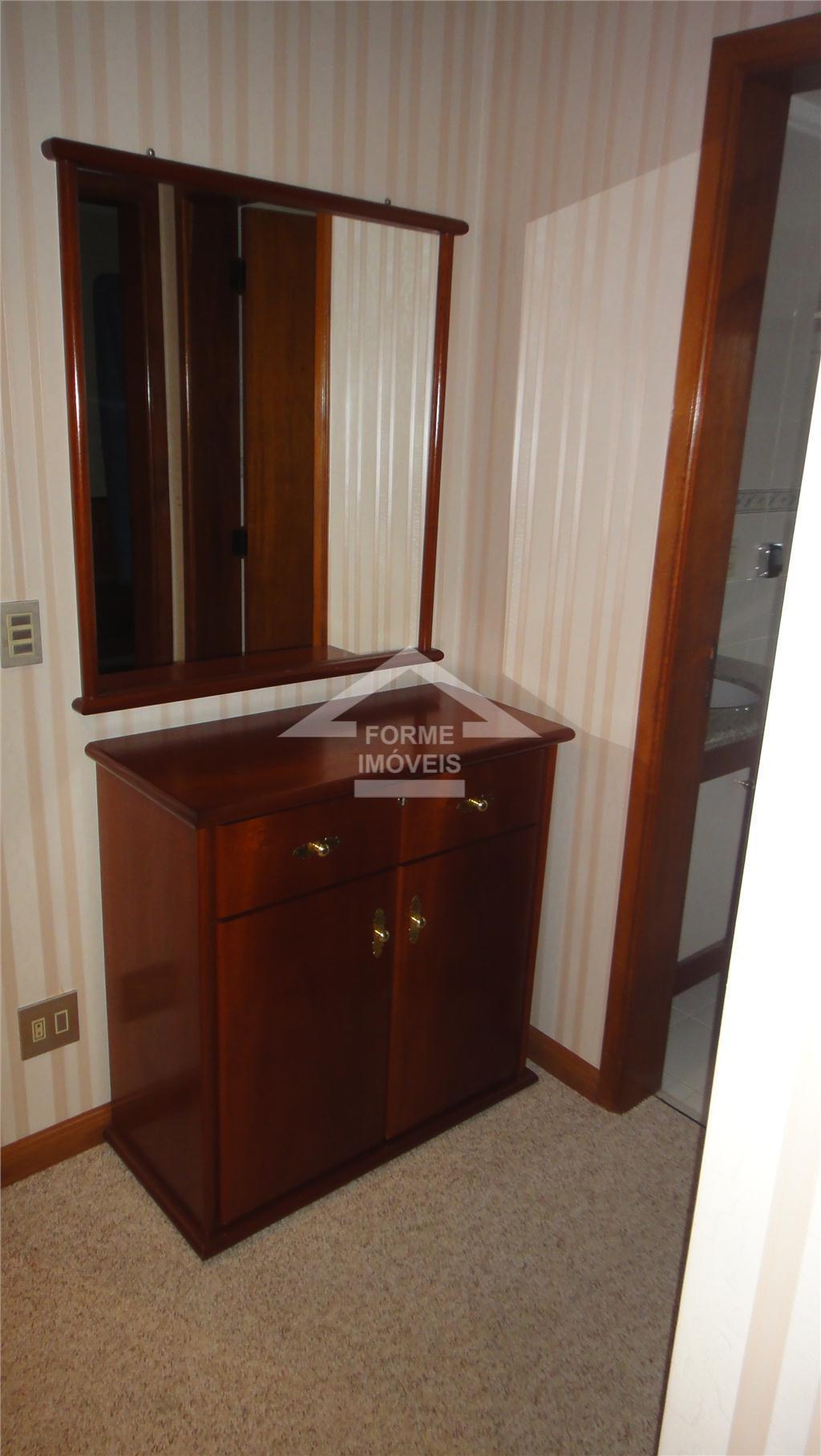 apartamento com 4 dorms, sendo 2 suítes, e o 4° dorm, foi tansformado em 1 escritório,...