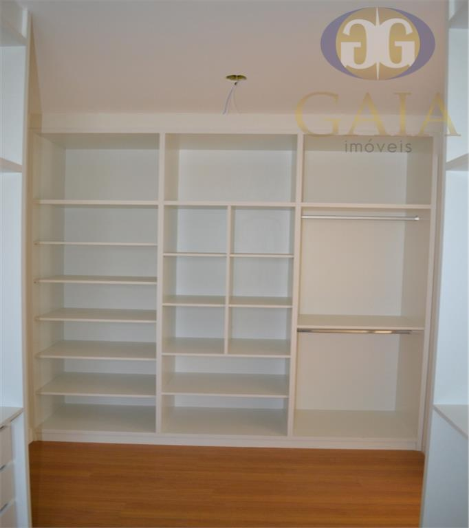 linda casa localizada em condomínio nobre de paulínia contende 3 suítes sendo duas com closet, duas...