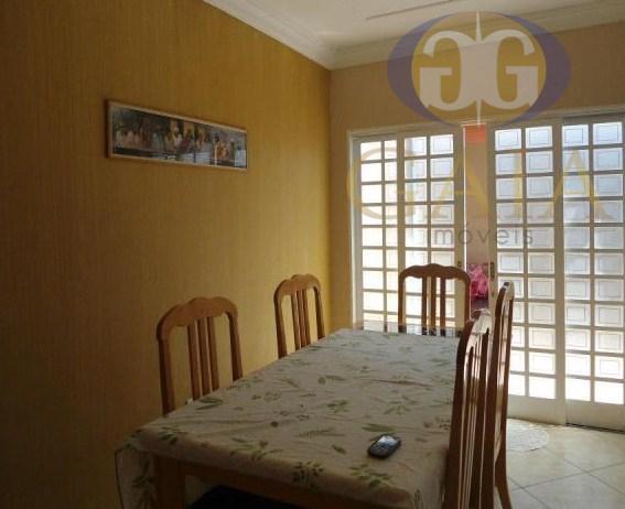 Sobrado com 4 dormitório na região de Nova Veneza