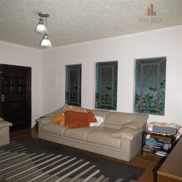 incrível casa térrea, espaçosa, super agradável, com acabamento caprichado, localização de fácil acesso ao comércio em...