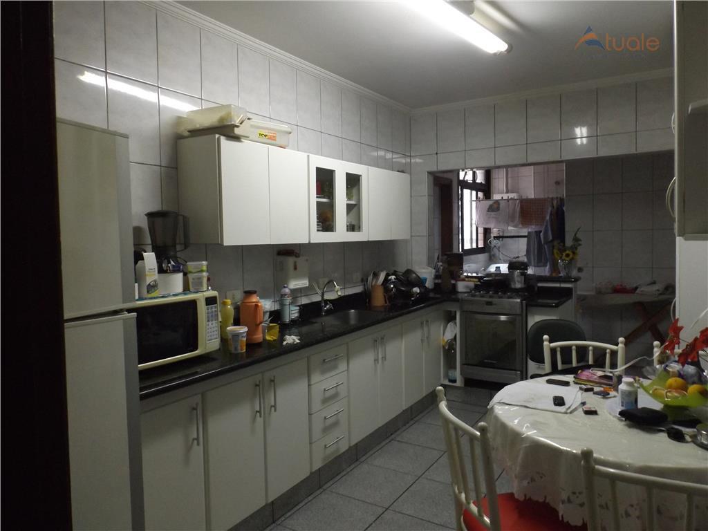 Apartamento de 3 dormitórios em Vila Jones, Americana - SP