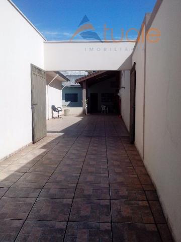 Casa de 3 dormitórios à venda em Vila Galo, Americana - SP