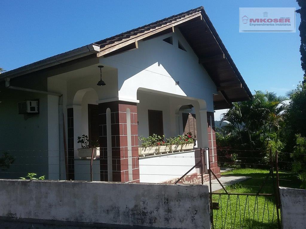 linda casa no bairro salto, local tranquilo, para você que deseja morar bem e em harmonia...