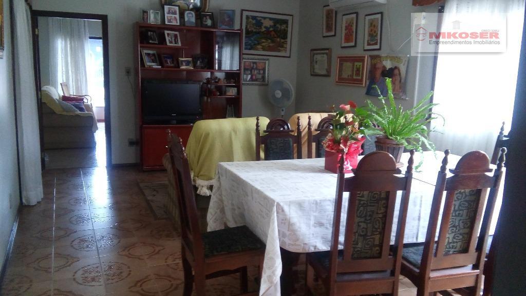 belíssima casa no centro de presidente getúlio, peças amplas, salas enormes, em uma das ruas mais...