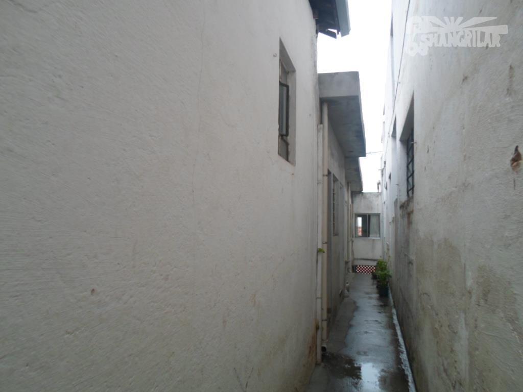 casa para renda. terreno 250 m². 2 salas comerciais c/ 30 e 40 m², (uma) com...