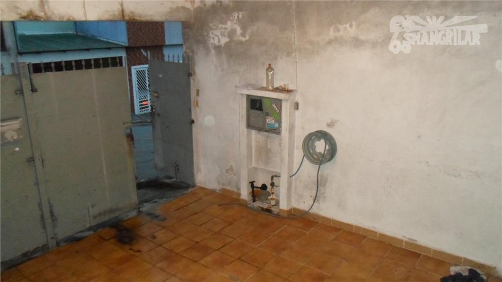 casa antiga c/ 3 moradias, centro diadema. terreno 125 m², construção 134 m². características: -casa (1)...