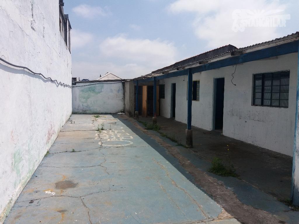 terreno de 370,00 m², sendo 10,00 de frente e 37,00 laterais, fundo 10,00 - plano, documentação...