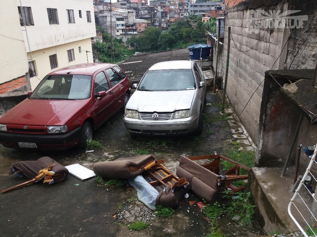 terreno c/2 casas necessitando de reforma, área do terreno 279,00 m², topografia declive. localização vila sapoema,...