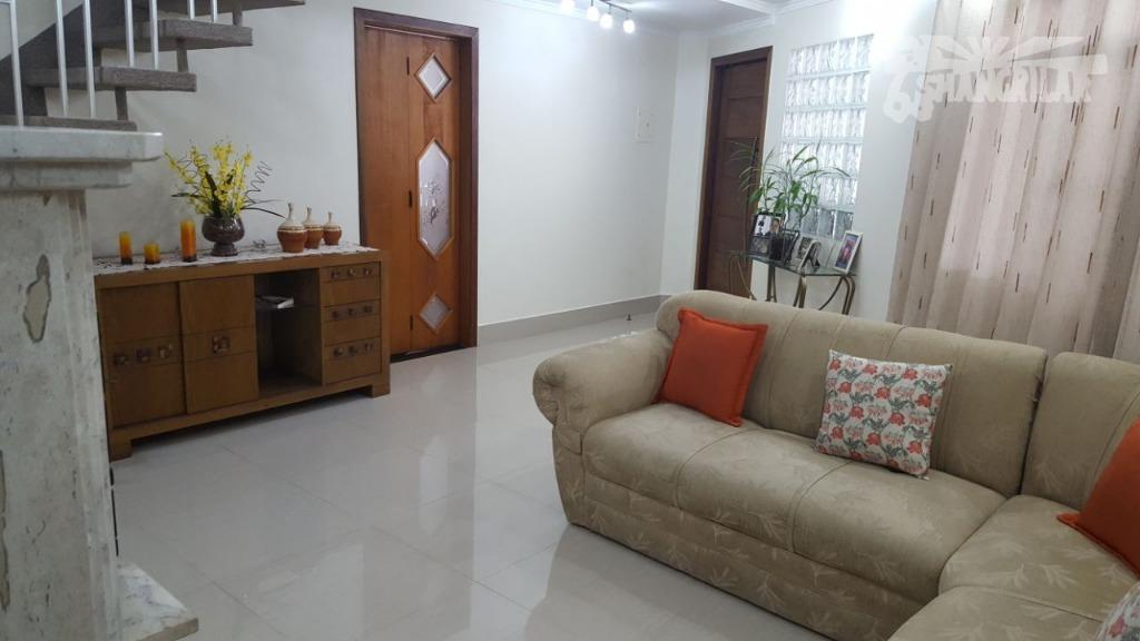 Sobrado 3 Dormitórios (1suíte), 2 Vagas de Garagem, Quintal, Sacada - Vila São José - Diadema.