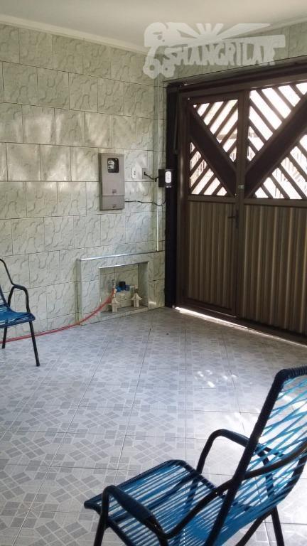 Sobrado 3 Dormit.(1Suite). 2 Vagas de Garagem, Sala, Cozinha, 3 Banheiros.