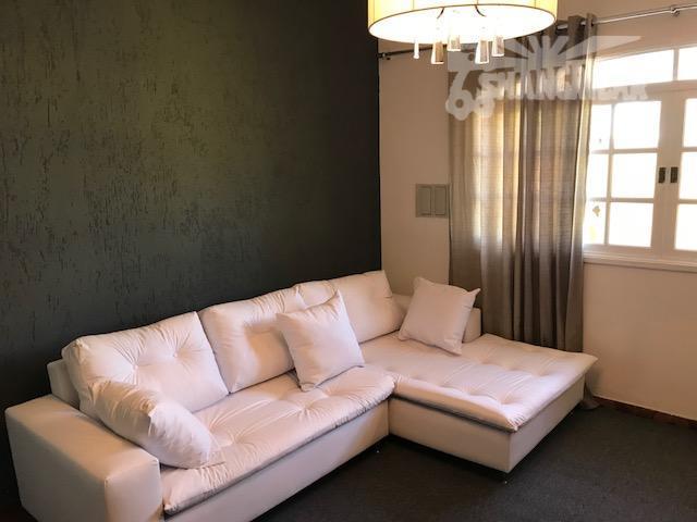 casa térrea com 105 m², toda mobiliada por profissional da área. são 2 dormitórios, sala, cozinha,...