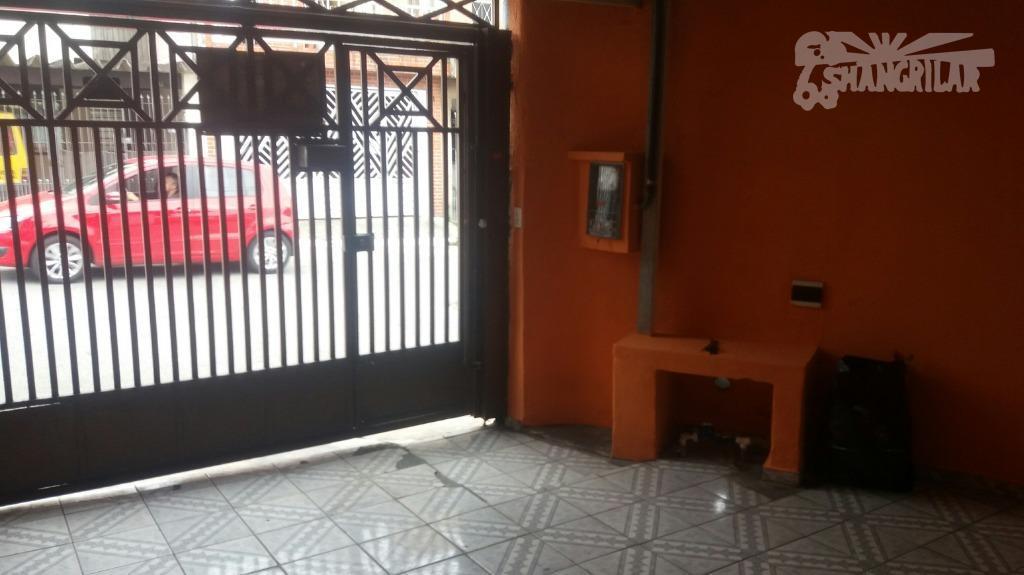 sobrado de esquina no padre anchieta-3 dormitórios, sala ampla, cozinha, 1 vaga de garagem, quartinho(área de...