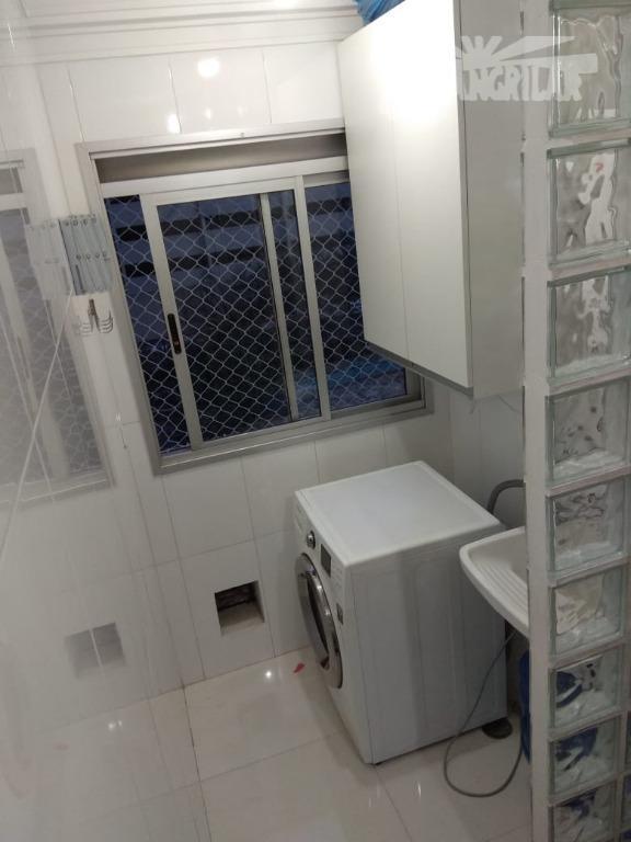 Apartamento 2 Dormit.  1 Sala, Cozinha, Banheiro, 1 Vaga de Garagem.