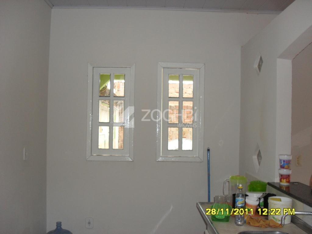 casa recém reformada contendo sala, 2 quartos sendo 1 suite, cozinha estilo americano, lavanderia e area...