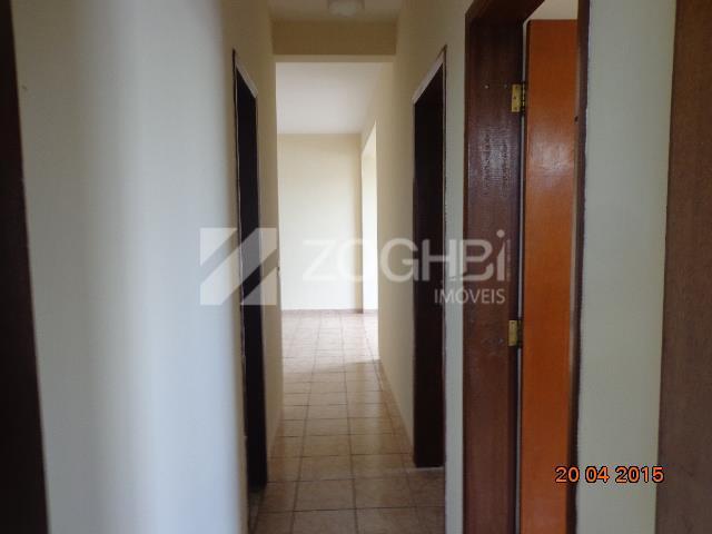 excelente imóvel com as seguintes descrições: sala com 02 ambientes, 03 quartos sendo 01 suíte, banheiro...