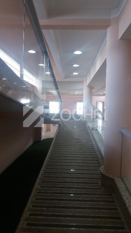 excelente ponto comercial próximo do shopping contendo área construída medindo aproximadamente 710 m² com salão amplo...