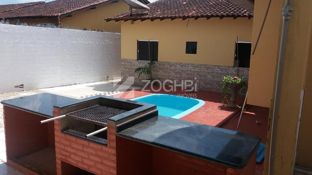 excelente casa em bairro bem localizado contendo 04 dormitórios sendo 1 suíte, escritorio, sala ampla, cozinha,...