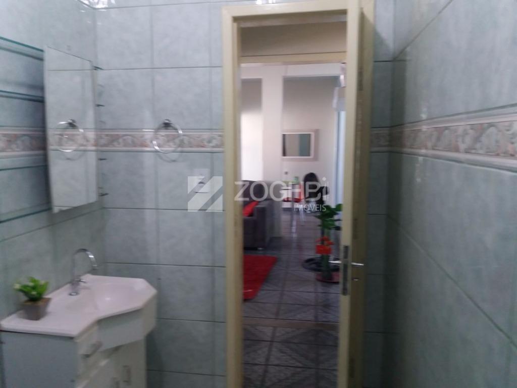 excelente casa contendo, três quartos grandes sendo uma suíte.banheiro social.sala de visita e sala de jantarcozinha...