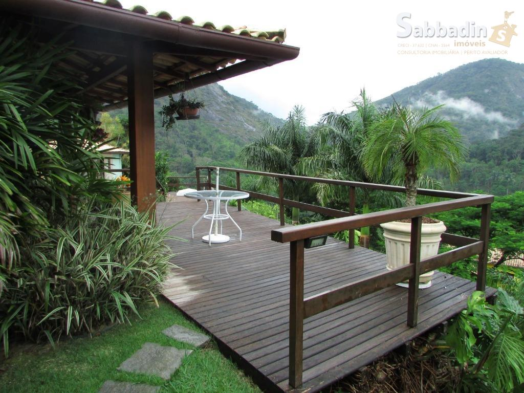 residência de alto padrão. casa extremamente clara e arejada, terreno com 1.836,28m², lindo paisagismo com iluminação,...