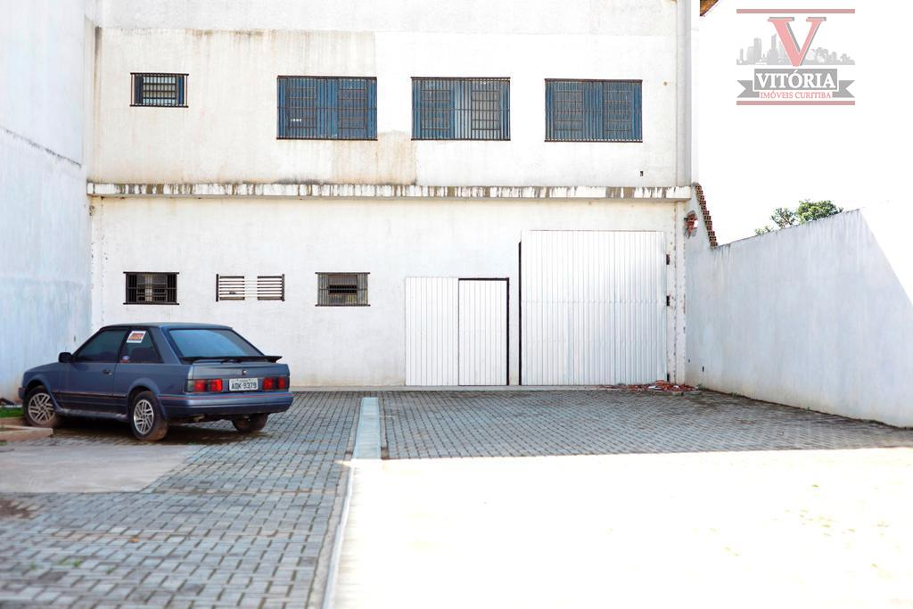 Barracão comercial à venda, Uberaba, Curitiba - 14 vagas de Estacionamento Exclusivo.