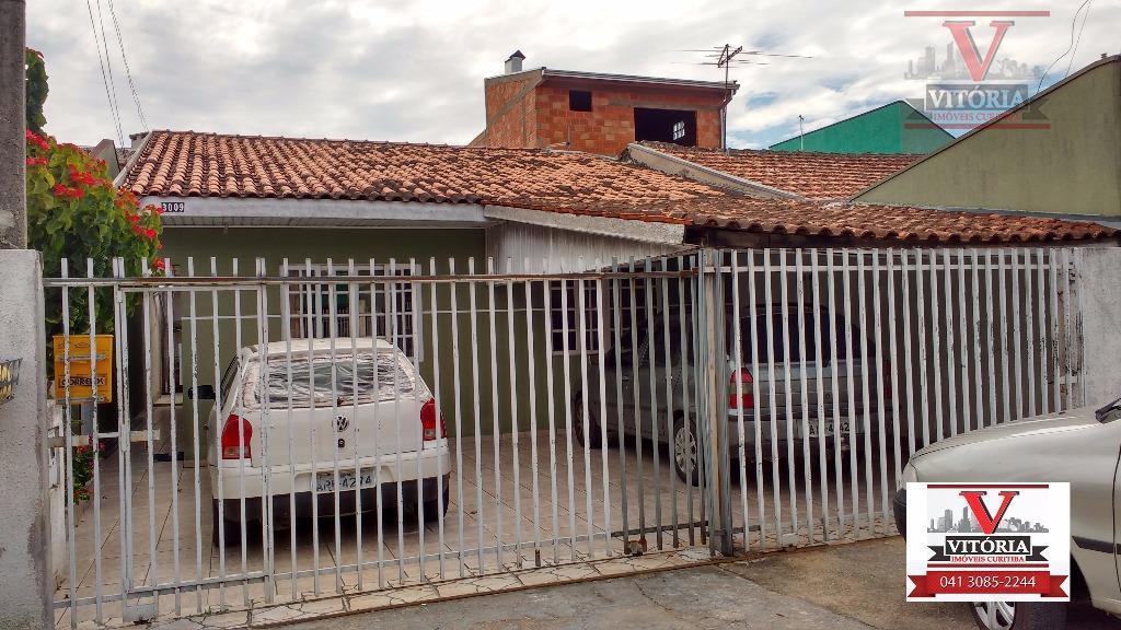 Casa com edicula, em rua comercial, Sítio Cercado, Curitiba. CA0256