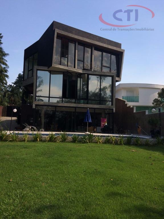 Maravilhosa Casa Alto Padrão em Condomínio Fechado CA0235.