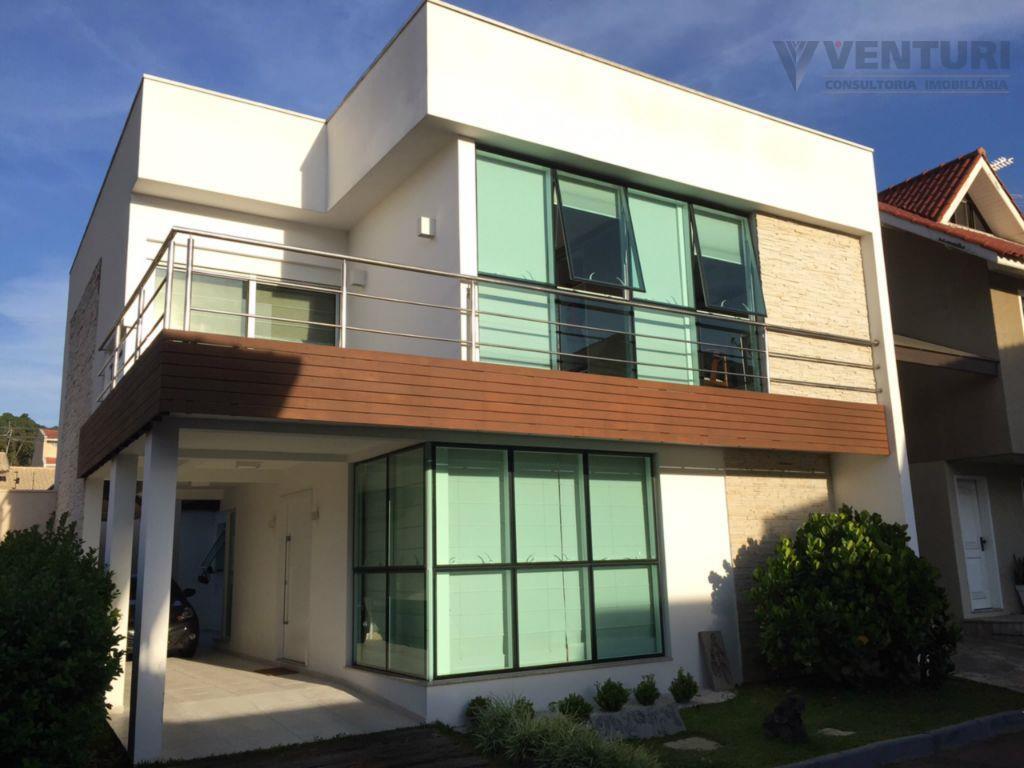 Sobrado residencial à venda, Centro, São José dos Pinhais.