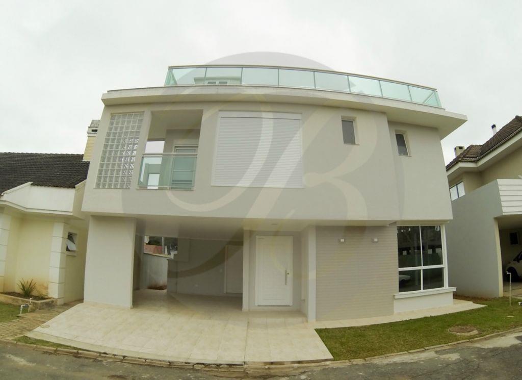 Maravilhosa casa com 4 dormitórios em Santa Felicidade
