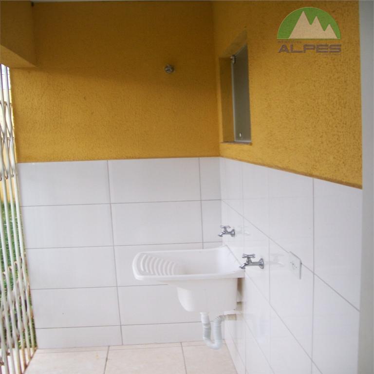 excelente oportunidade! linda casa com 3 dormitórios, sala, cozinha com copa, área de serviço, bwc, churrasqueira,...