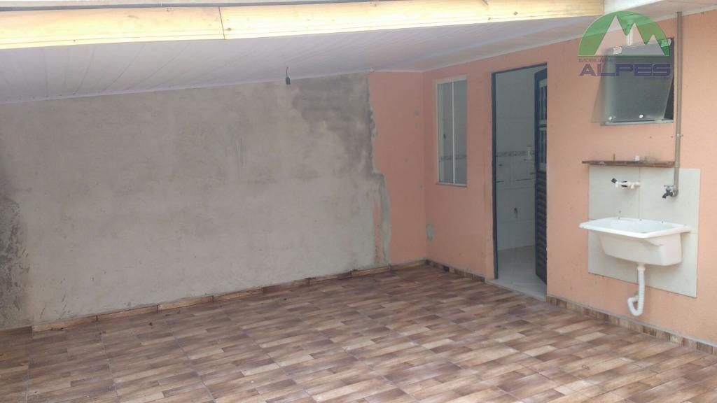 ótima casa , com 2 dormitórios, sala cozinha e banheiro, 2 vagas de garagem mais informações...