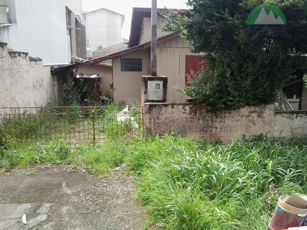 terreno meio de quadra, excelente para condominio de casas , sobrados ou apartamentos. local de facil...