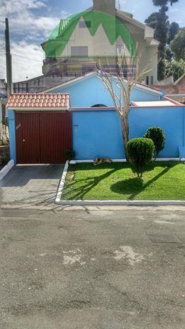 excelente residencia em rua sem saída fundos do shopping sports, sendo amplo terreno , garagem para...