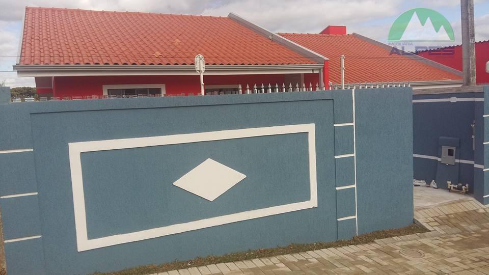 casa de frente para rua no sítio cercado!sendo amplo terreno frente, fundos e lateral.sala de estarsala...