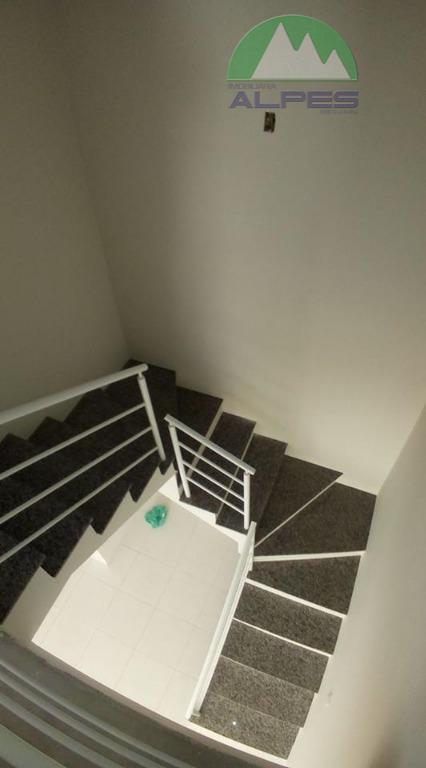 sobrado 02 dentro de condomínio ,excelente acabamento e localização, sendo 2 vagas de garagem, sala de...