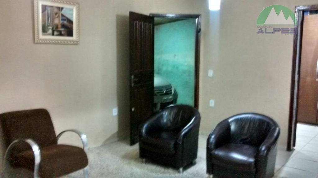 casa com 3 quartos sendo 1 quarto com suite,sala ,cozinha.lavanderia, churrasqueira e depósito.garagem cobertaterreno 10x 20área...