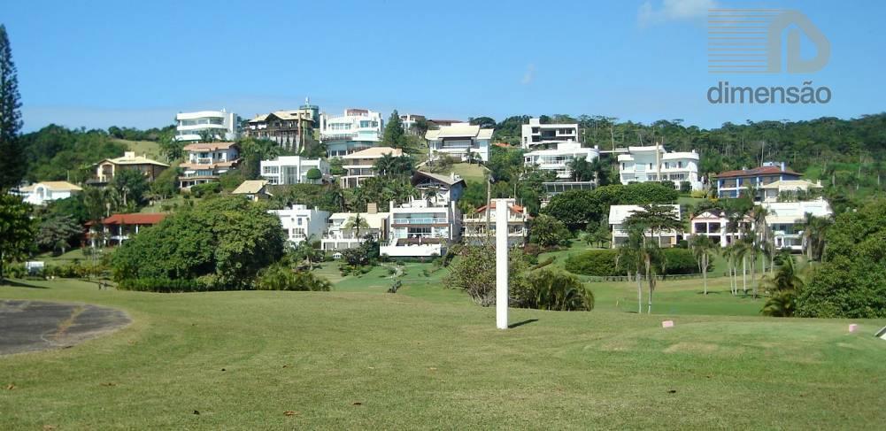 lote sem árvores e pronto para receber construções. o terreno está situado no melhor condomínio fechado...